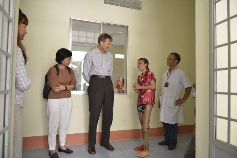 Figure 5: USAID Vietnam Mission Director Mike Green visited a new rehab unit that USAID supported with renovation, equipment, and training for practitioners